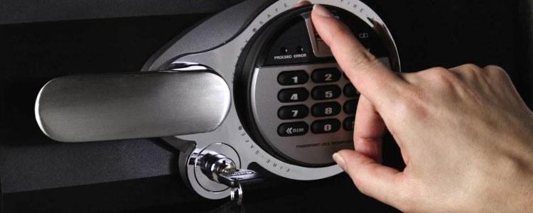 Advantages and disadvantages of biometric gun safe